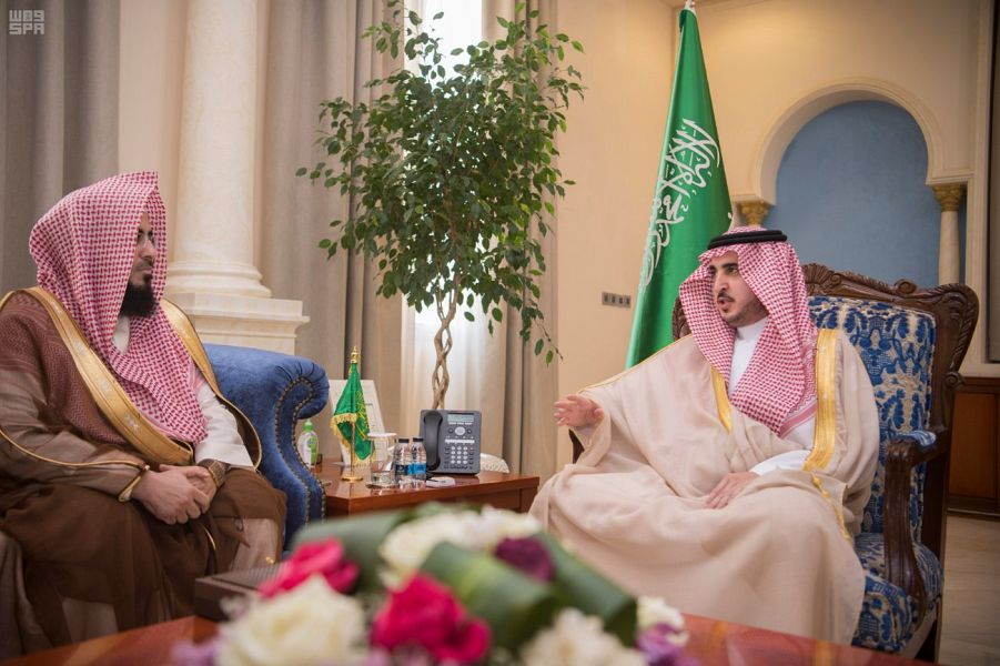 أمير الجوف يستقبل الدكتور الحميد والفائزين بمسابقة الأمير فيصل بن نواف لحفظ القرآن الكريم