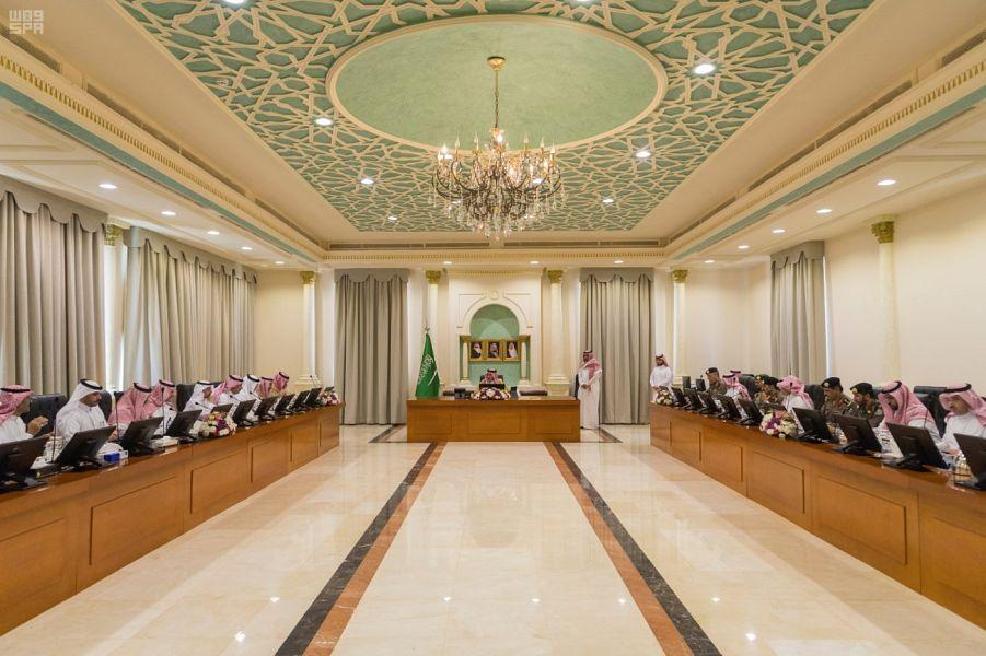 أمير الجوف يرأس اجتماع لجنة الحج العليا بالمنطقة