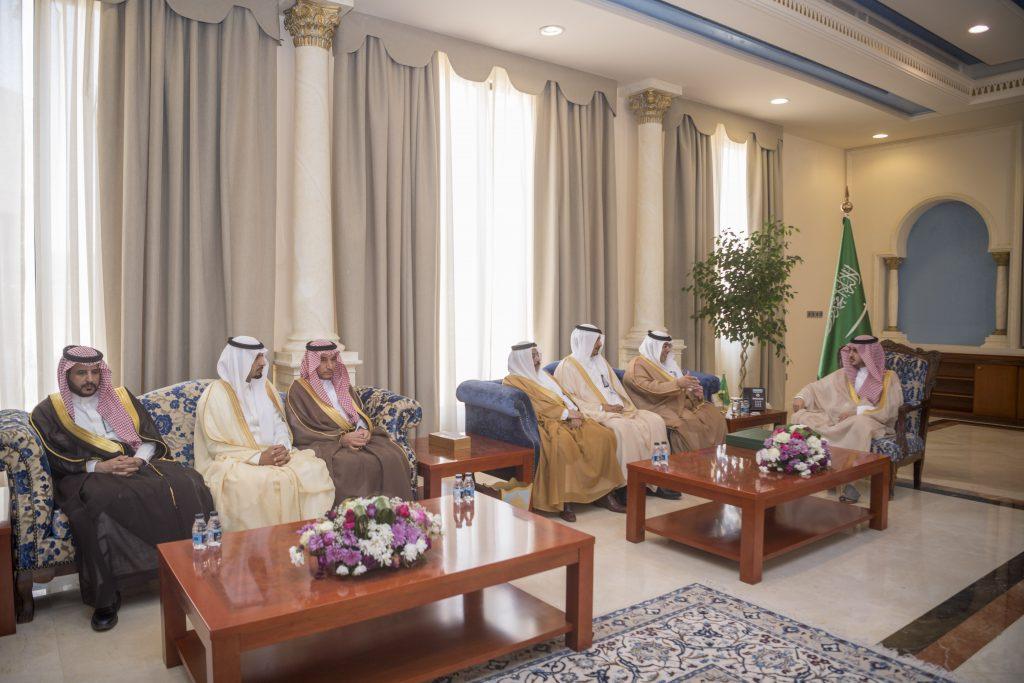 أمير الجوف يستقبل أمين المنطقة ورؤساء البلديات ومساعديهم