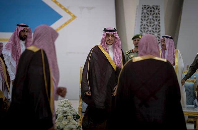 سمو أمير منطقة الجوف يستقبل المواطنين وشيوخ القبائل بالمنطقة