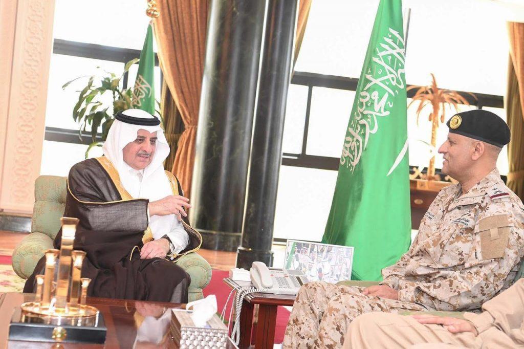 أمير منطقة تبوك يستقبل قائد المنطقة الشمالية الغربيه وقائد قاعده الملك فيصل الجويه