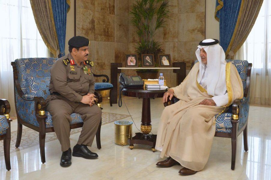 الأمير خالد الفيصل يستقبل مدير سجون المنطقة