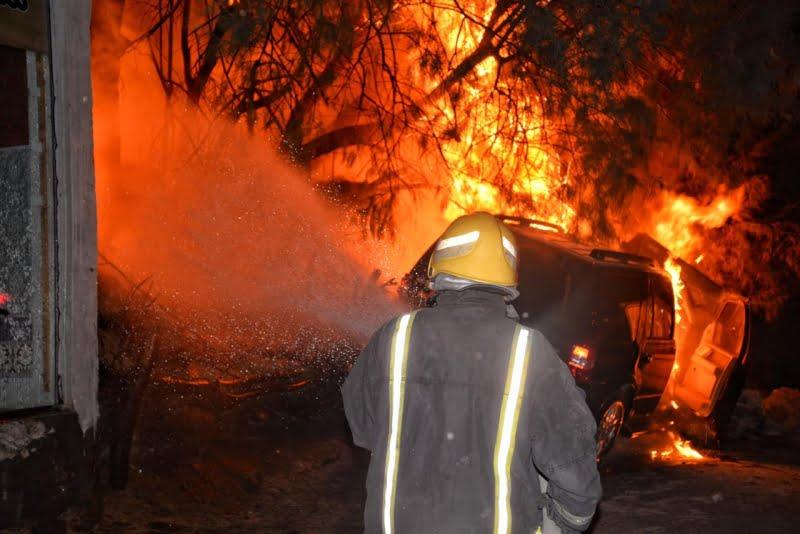 إصابة شخصين في حريق مركبة بحي برزان بـحائل