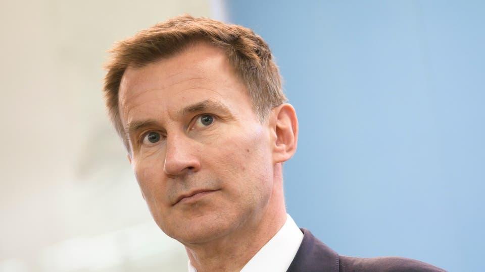 وزير الخارجية البريطاني : تصعيد إيران سيقابل بتعزيز عسكري بريطاني ضخم بالخليج