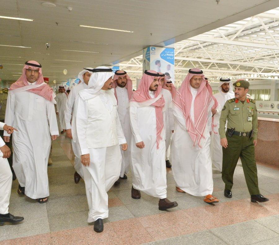 نائب أمير مكة يتففد مجمع صالات الحج بمطار الملك عبدالعزيز الدولي