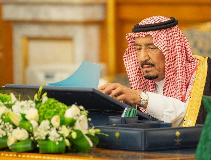 مجلس الوزراء يقرر السماح للأنشطة التجارية بالعمل لمدة (24) ساعة بمقابل مالي يحدده وزير الشؤون البلدية والقروية