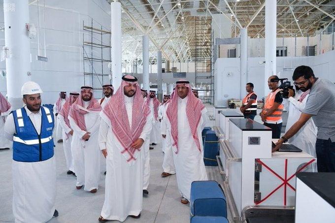 الأمير فيصل بن خالد بن سلطان يتفقد مشروع مطار عرعر الجديد