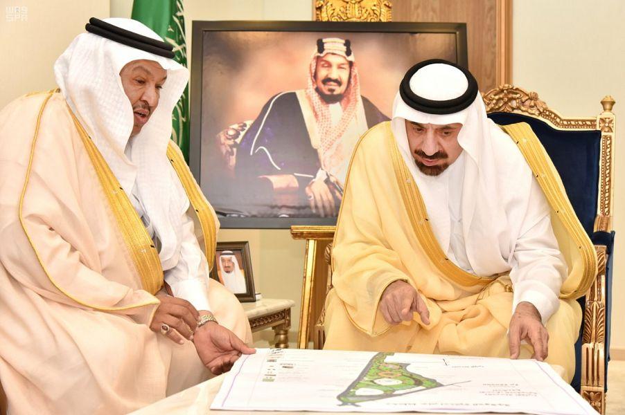 أمير نجران يستعرض تقارير مشاريع أمانة المنطقة