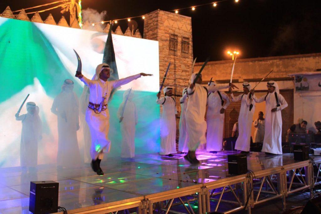 السياري يفتتح مهرجان الأطاولة التراثي الخامس بالباحة