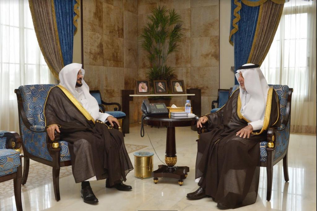 أمير مكة يستقبل وزير الشؤون الإسلامية والدعوة والإرشاد