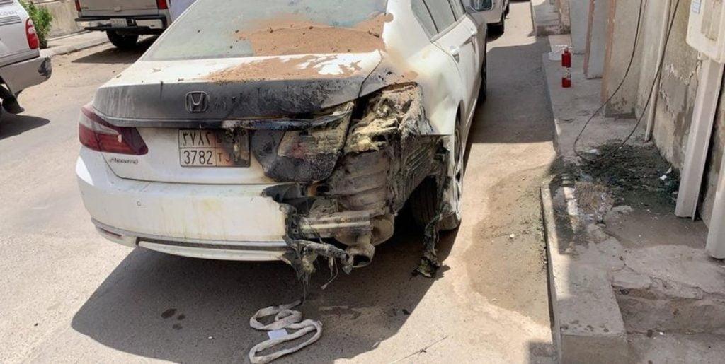 """انفجار """"كابينة كهرباء"""" يحرق مركبتين في جدة"""