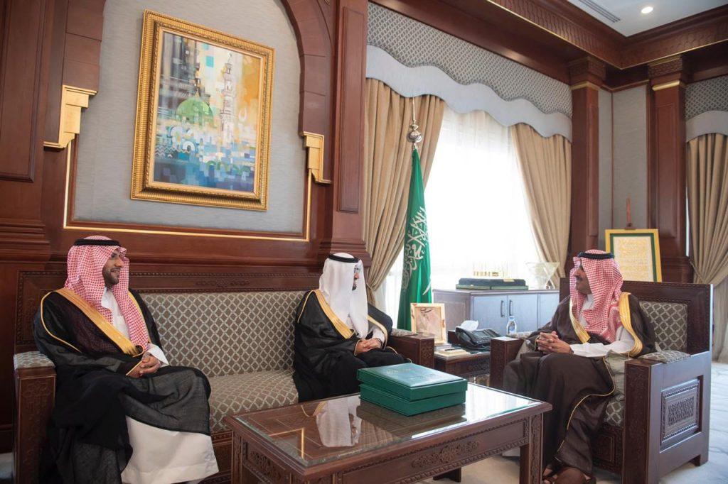 أمير منطقة المدينة المنورة يستقبل الرئيس التنفيذي للهيئة العامة للغذاء والدواء