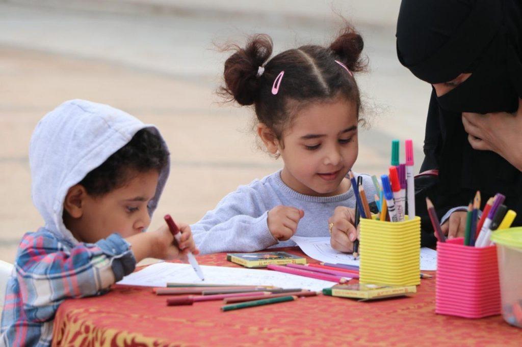 """جمعية الثقافة والفنون تقيم مهرجان """" الثقافة والفنون مع الناس """" بمنتزه الأمير حسام بالقيم"""