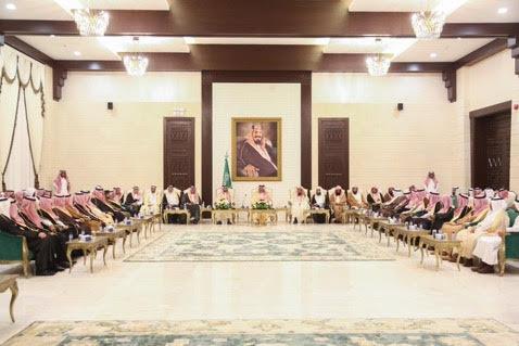 أمير حائل يعقد لقاءً مفتوحاً مع المواطنين والمسؤولين