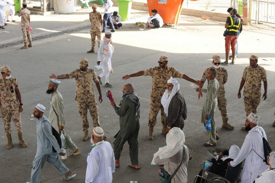 قوات الأمن الخاصة تواصل تقديم مهامها في الحج حتى مغادرة الحجيج للمشاعر المقدسة