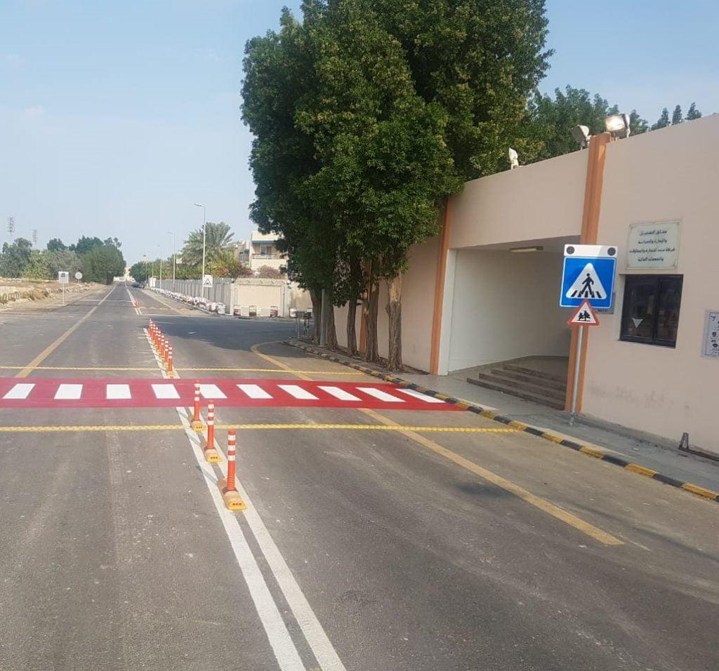 بلدية الخبر تنفذ أكثر من 40 معبر مشاة وأكثر من 160 لوحة إرشادية لتعزيز السلامة المرورية أمام المدارس