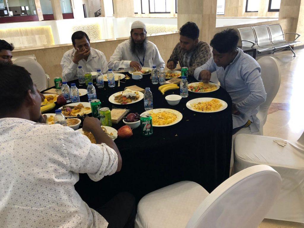 """أمانة الشرقية تطلق مبادرة """" غداء العيد وياهم """" لمشاركة فرحة العيد مع رجال النظافة"""