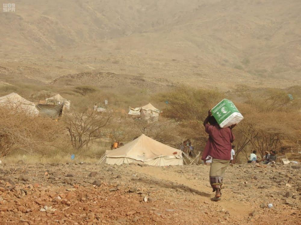 المملكة توزع مساعدات إنسانية في محافظات يمنية