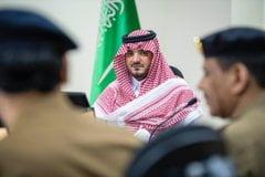 سمو وزير الداخلية يجتمع بقيادات الدفاع المدني المشاركين في مهام الحج
