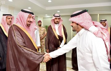 أمير نجران يستقبل موظفي ديوان الإمارة