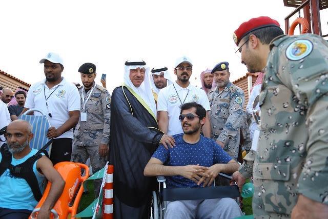محافظ الخفجي يفتتح شاطئ ومسبح حرس الحدود لذوي الإعاقة بالمحافظة