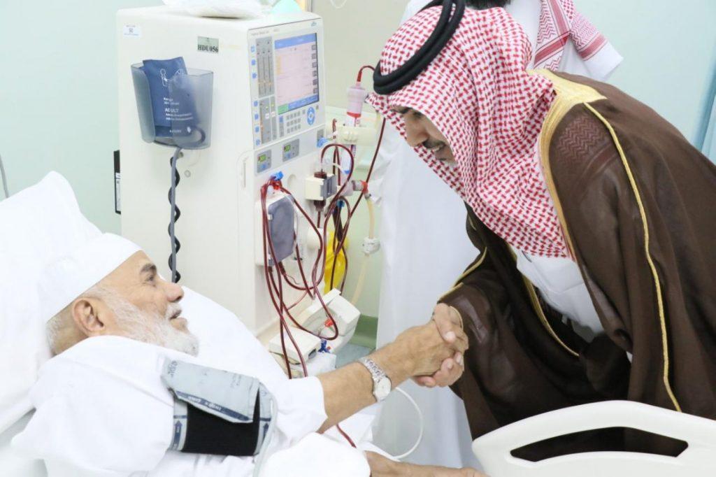 محافظ الخرج يستقبل المهنئين بعيد الأضحى المبارك ويعايد المرضى