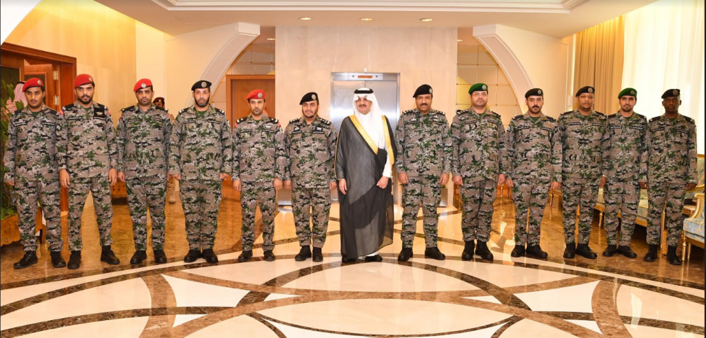 الأمير سعود بن نايف يدشن الزي الجديد لمنسوبي إدارة سجون الشرقية