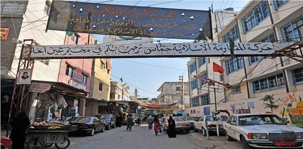 توتر أمني واستنفار مسلح في مخيم عين الحلوة للاجئين الفلسطينيين قرب مدينة صيدا اللبنانية