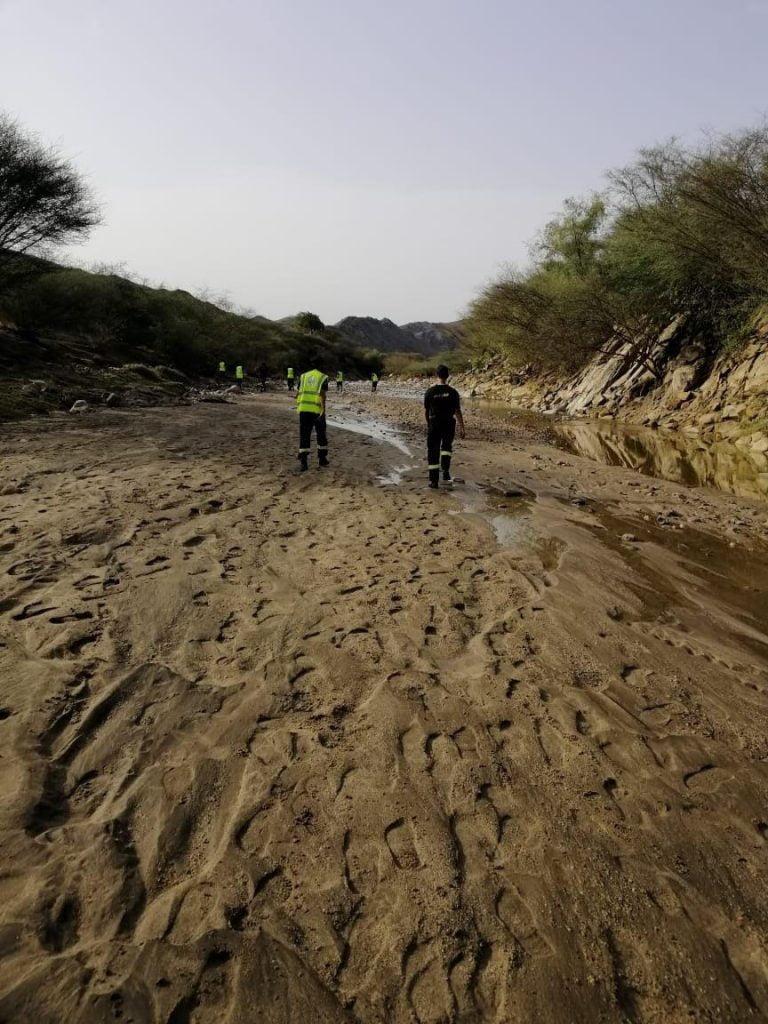 أمير جازان يتابع تداعيات الحالة المناخية ويوجه الجهات المعنية بمضاعفة الجهود لمواجهة التقلبات الجوية