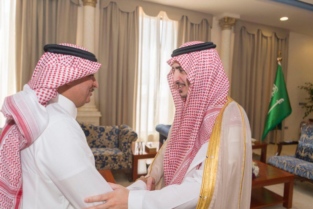 أمير الجوف يستقبل مدير شركة الجوف الزراعية ويطلع على تقرير لأكبر مشروع زيتون بالعالم