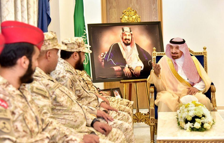 أمير نجران يستقبل قائد لواء الأمير محمد بن سعود الآلي بالحرس الوطني