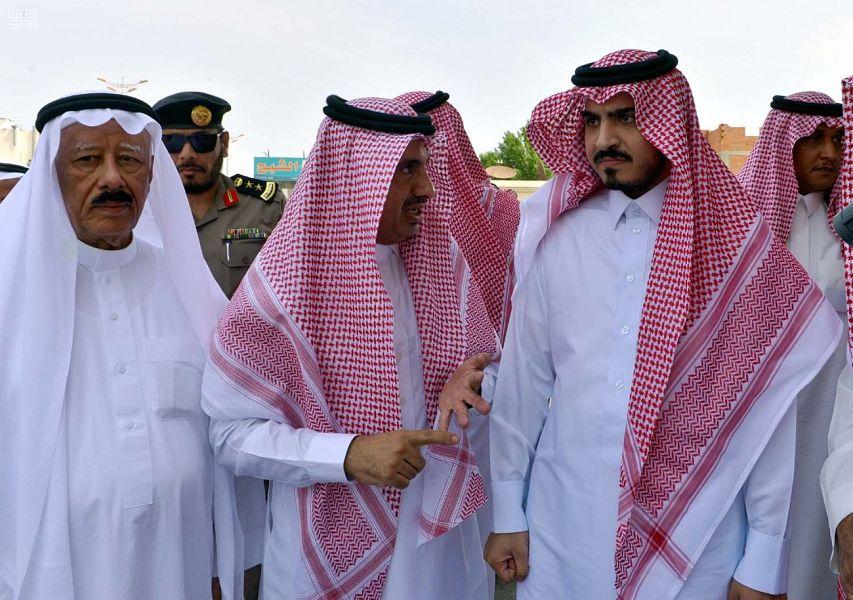 نائب أمير منطقة مكة المكرمة يقف ميدانيًا على مشكلة تضرر أهالي محافظة الجموم من دخول الشاحنات