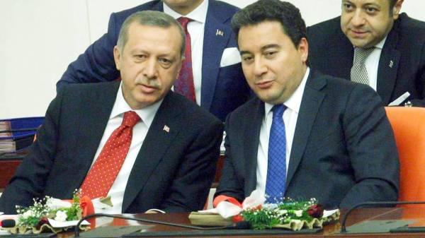 قاعدة أردوغان تتآكل.. «حزب باباجان» نهاية العام