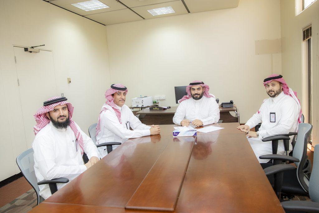 مكتب شؤون الخريجين بجامعة القصيم يستقبل وفد من صندوق الموارد البشرية «هدف»