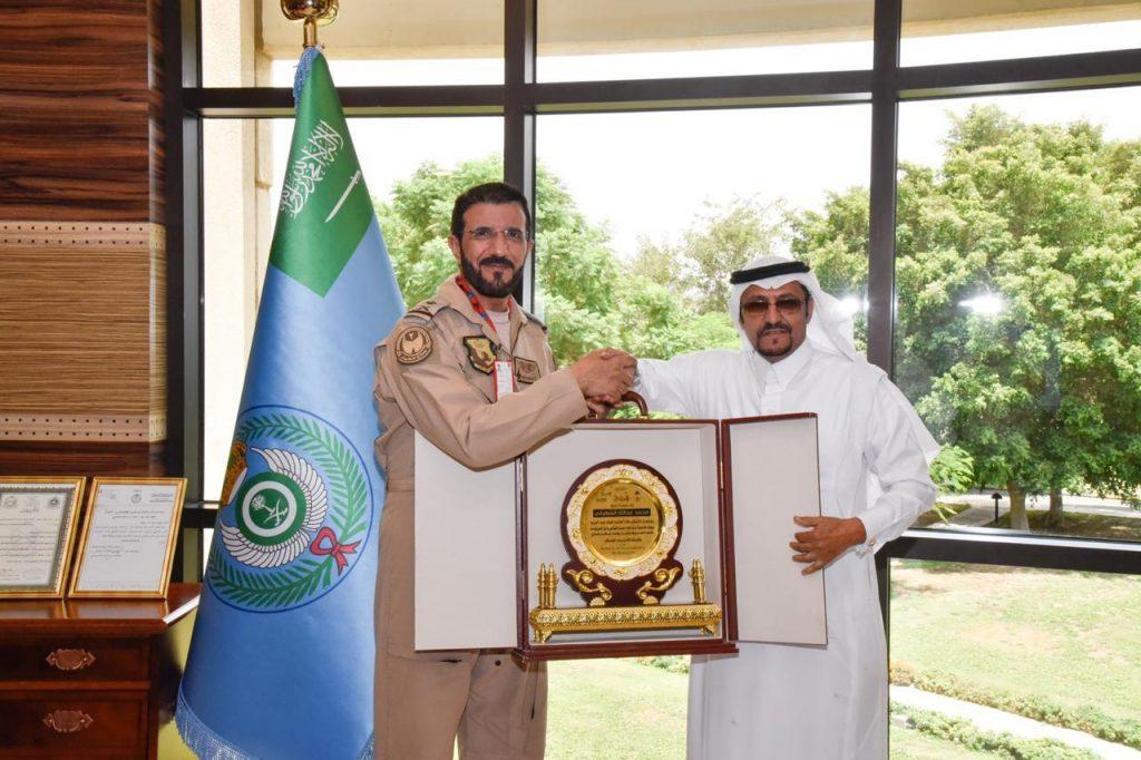 قائد قاعدة الملك فهد الجوية بالطائف يستقبل السواط بمكتبه صحيفة المناطق السعوديةصحيفة المناطق السعودية