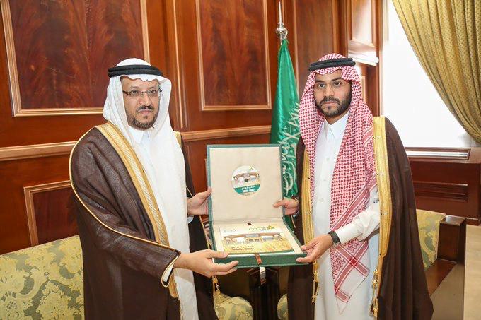 نائب أمير منطقة حائل يُستقبل رئيس شركة المطاحن ويطلع سموه على التقرير السنوي للمطاحن
