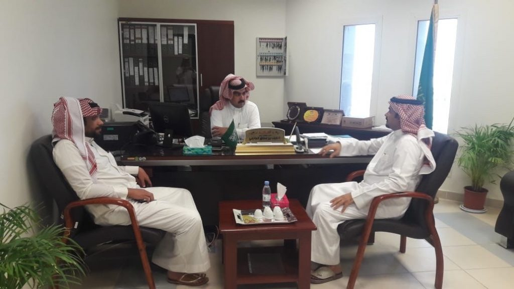 وحدة الخدمات المُساندة للأشخاص ذوي الإعاقة بعرعر تزور محافظة طريف