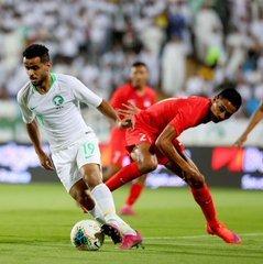 الأخضر يكسب المنتخب السنغافوري بثلاثية نظيفة في تصفيات كأسي العالم وآسيا لكرة القدم ويتصدر مجموعته