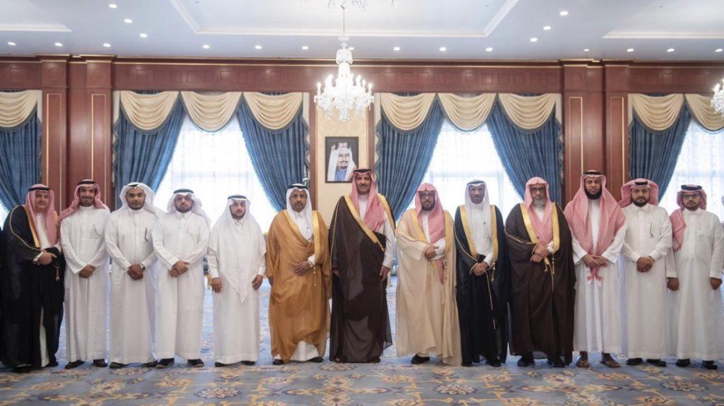 أمير المدينة يلتقي رئيس وأعضاء المجلس التعليمي بالمنطقة