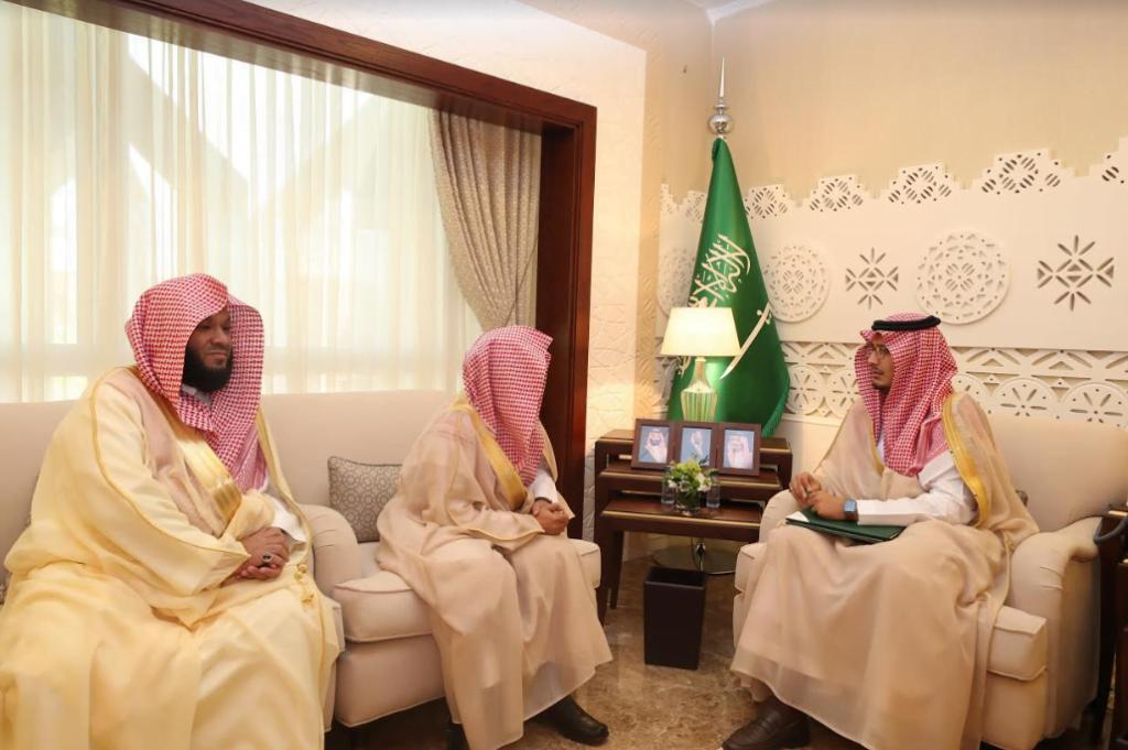 نائب أمير الشرقية يلتقي مدير فرع هيئة الأمر بالمعروف بالمنطقة الشرقية