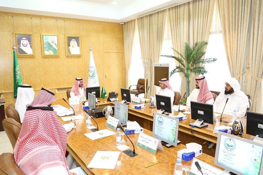 نائب أمير منطقة حائل يلتقي مدير المدينة الصناعية بحائل وملاك المصانع
