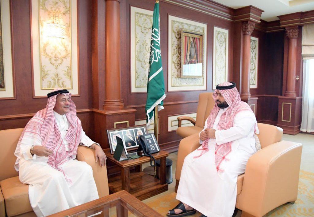 الأمير محمد بن عبدالعزيز يستقبل الرئيس التنفيذي لمدينة جازان للصناعات الأساسية والتحويلية