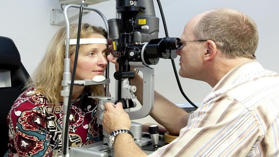 طريقة جديدة لعلاج قاع العين