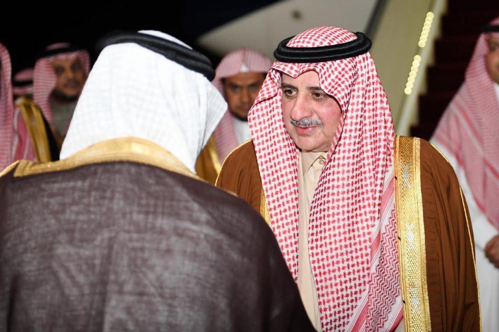 الأمير فهد بن سلطان يصل لتبوك بعد رحلة علاجية