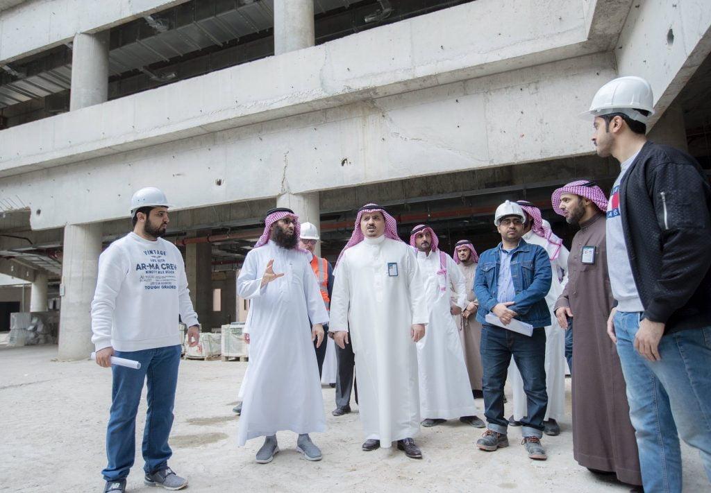مدير جامعة القصيم يتفقد مجمع كليات البنات ببريدة وكلية العلوم والآداب بالأسياح