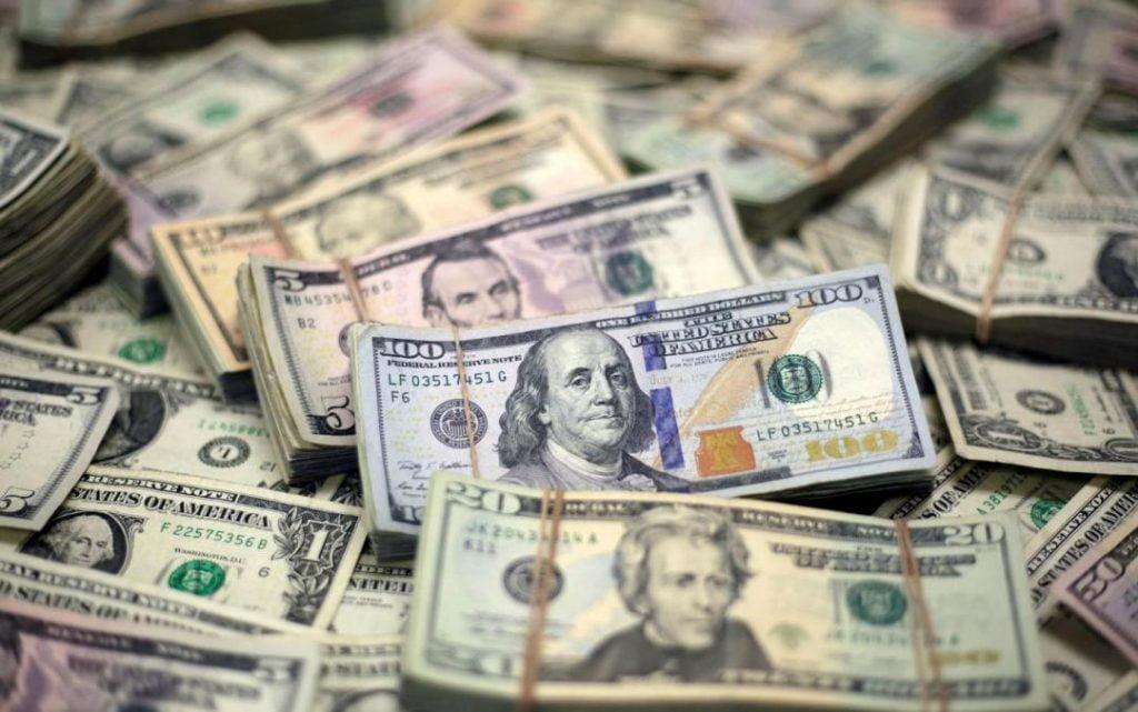 ديون العالم تضرب رقما قياسيا