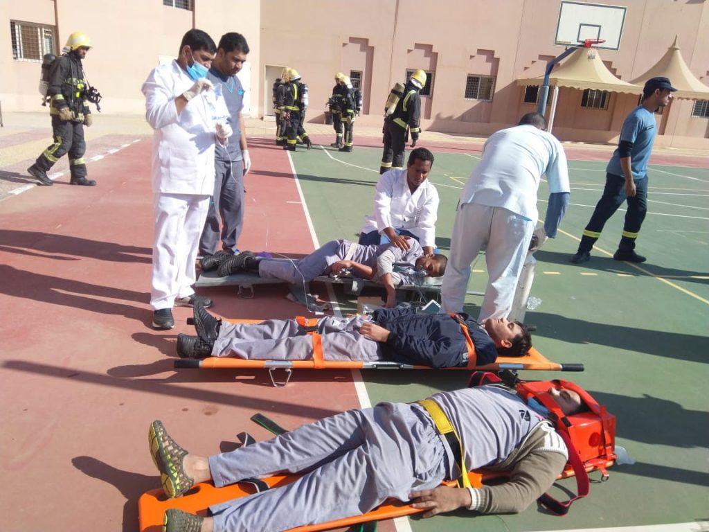 مدني تبوك ينفذ خطة إخلاء في حالة الطوارئ بمركز التأهيل الشامل بتبوك