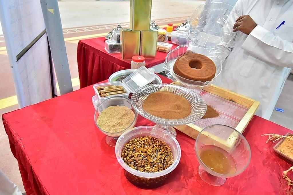 مهرجان السمح بالجوف يشهد حركة شرائية من زوار المهرجان