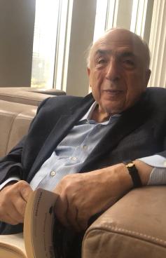 """في لقاء مع المناطق..الكاتب اللبناني """"سمير عطالله"""" التنمية في المملكة لا تصدق"""