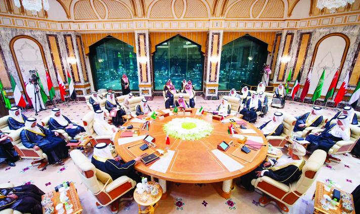 الزياني: القمة الخليجية ستعقد في 10 ديسمبر بالرياض